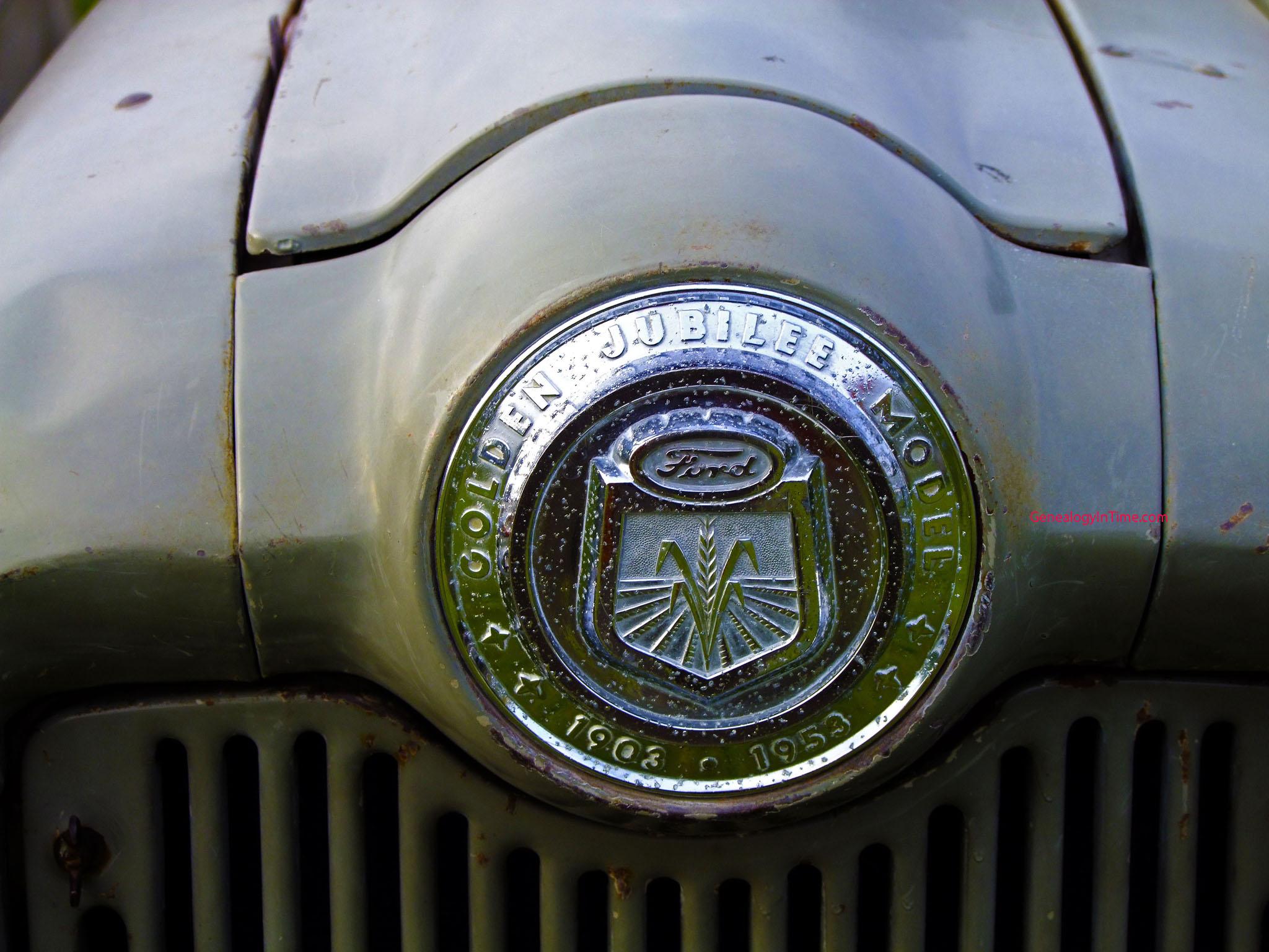 Farm Tractor Wallpaper a 1953 Ford Farm Tractor